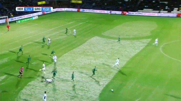 Funcionário aproveita neve e faz desenho de pênis em gramado na Holanda https://t.co/41M857Dzt6