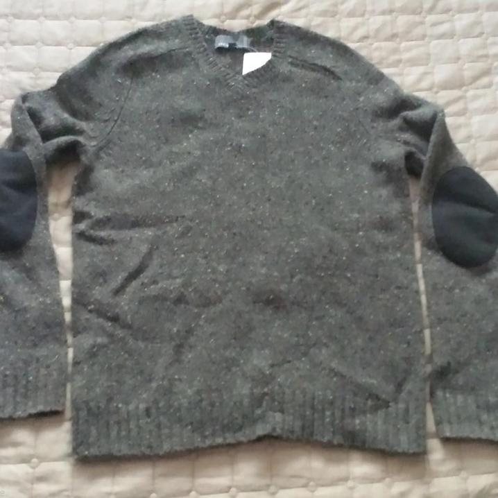SALE&gt;&gt;  #VINCE men size S charcoal V-neck 100% #wool #sweater with #le link:  http:// ebay.to/2iYpEEv  &nbsp;  <br>http://pic.twitter.com/WbtaIbaN57