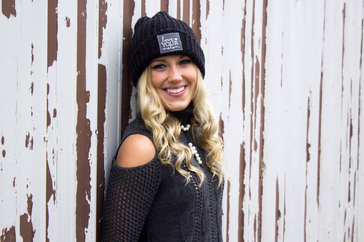 43d3d3b45acb1 LYM BEST RELEASE YET is tomorrow starting at 10 am central w  half zips    leggings. Another at 2 releasing new beanies!  JoinTheStory   LYMpic.twitter.com  ...