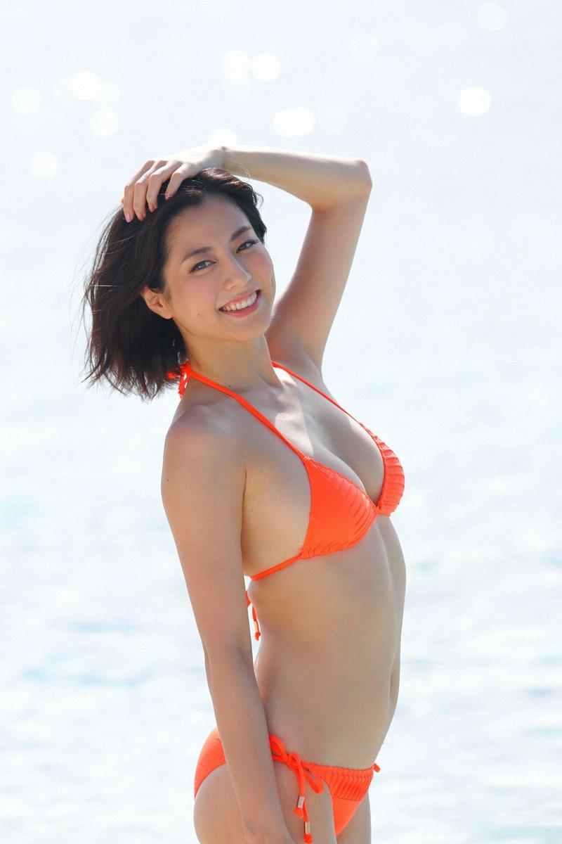 Watch Yumi Sugimoto (b. 1989) video