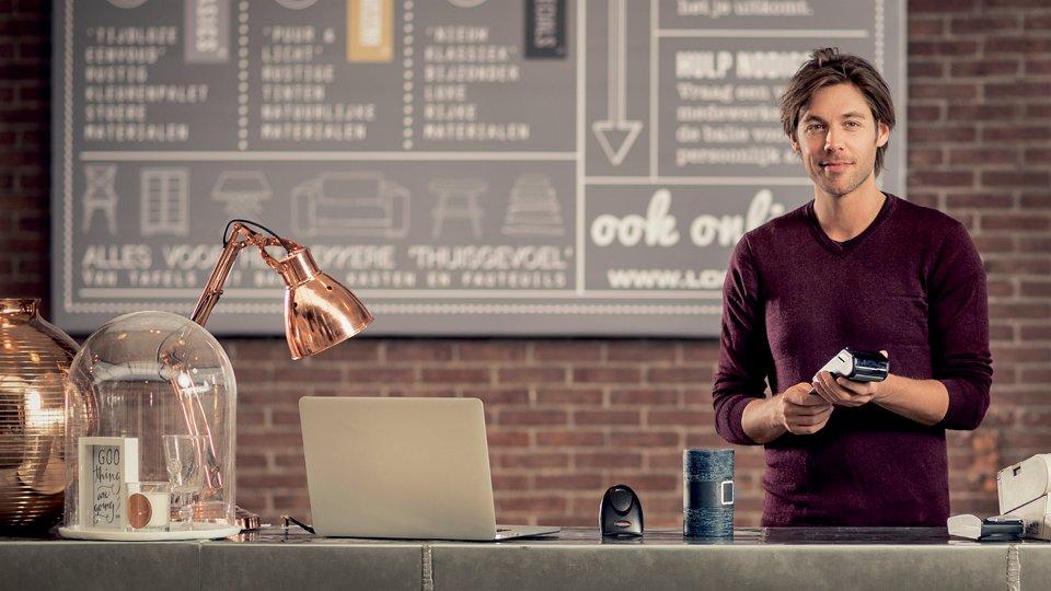 Retail 4.0 : la révolution du paiement est en marche, aux côtés de @Adyen !  http:// hubs.ly/H05VwJR0  &nbsp;   #Retail <br>http://pic.twitter.com/dXnBjgyc9B