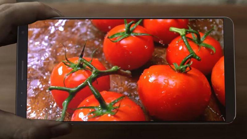 Galaxy S8 : Samsung vient-il de dévoiler une vidéo de son prochain smartphone ? &gt;  http:// bit.ly/2jfMFmj  &nbsp;   #GalaxyS8 #Samsung <br>http://pic.twitter.com/54lNR0wlAO