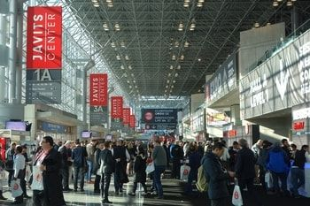 Lancement du #NRF Big Show où analytics et #IA ont la part belle  http:// buff.ly/2jnG3oG  &nbsp;   #Retail #NYC #RA #RV #MachineLearning #Frenchtech<br>http://pic.twitter.com/jPMQ3kvC2o