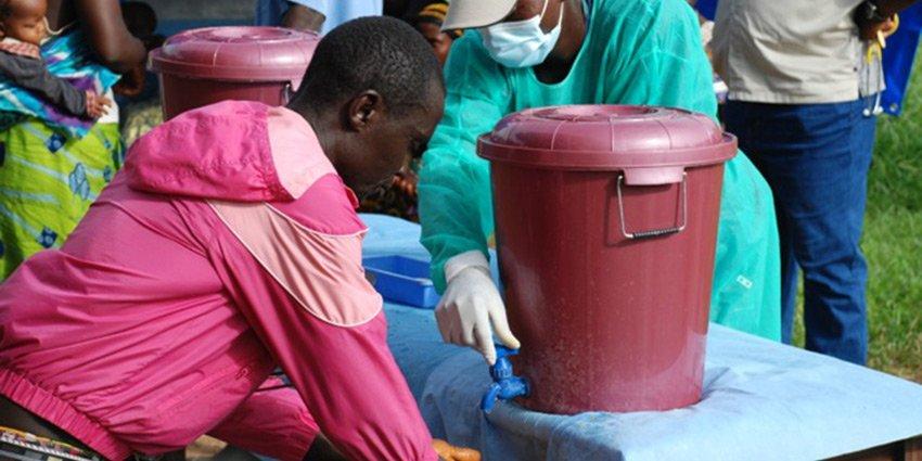 Ein weiterer Rückblick auf das vergangene Jahr 2016, diesmal mit einem Blick auf die Ebola-Epidemie in #SierraLeone. https://t.co/8HE9cLBEgU https://t.co/7viVXBZm92