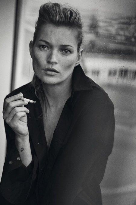 Happy birthday Kate Moss, 43 ans aujourd\hui.  Photo par Peter Lindbergh, janvier 2015 pour Vogue Italia.