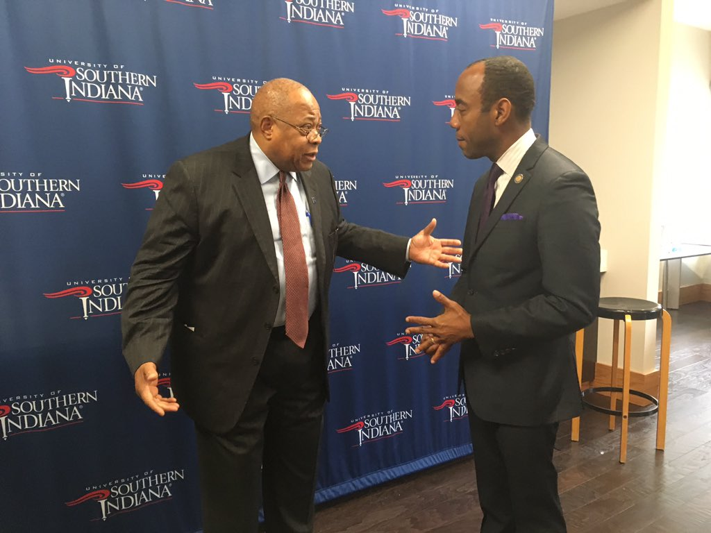 .@CornellWBrooks meeting with Rev. Gerald Arnold of the Evansville branch of the @NAACP prior to today's luncheon. #USIMLK https://t.co/Me6OxpkcWR