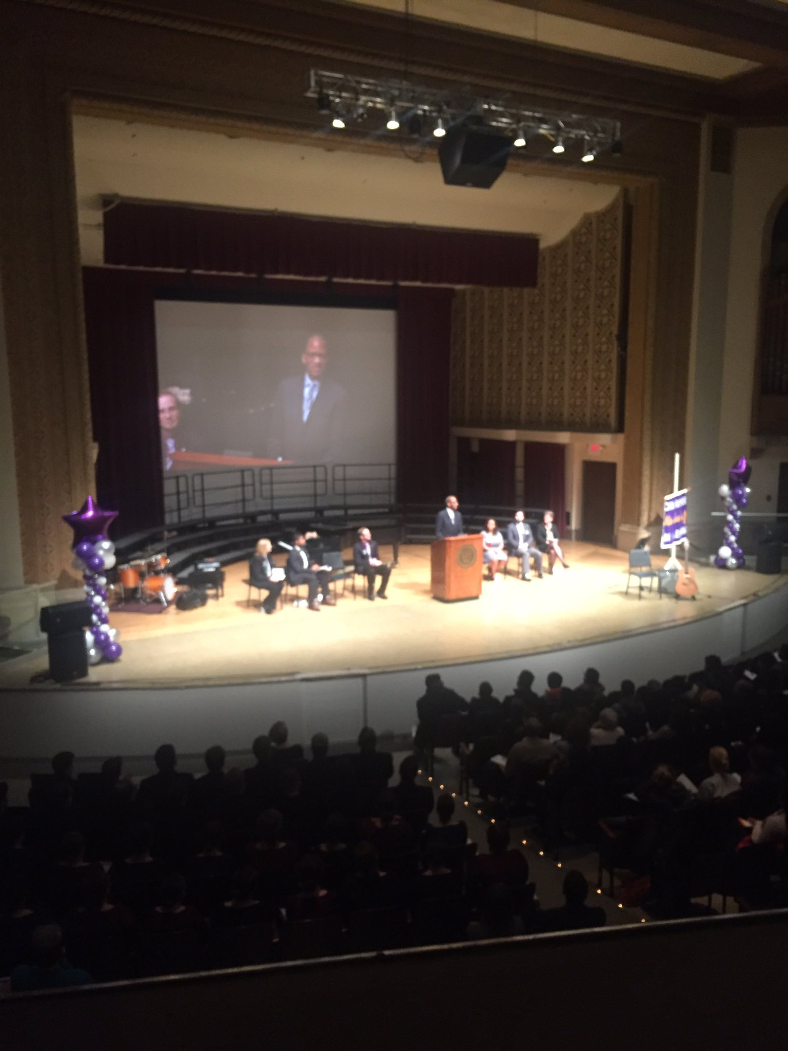 """""""This is my first formal visit to Capital University...what took y'all so long?"""" - Wil Haygood 😂👏 #capfam #MLKDayOfLearning https://t.co/ru57vHOj8f"""
