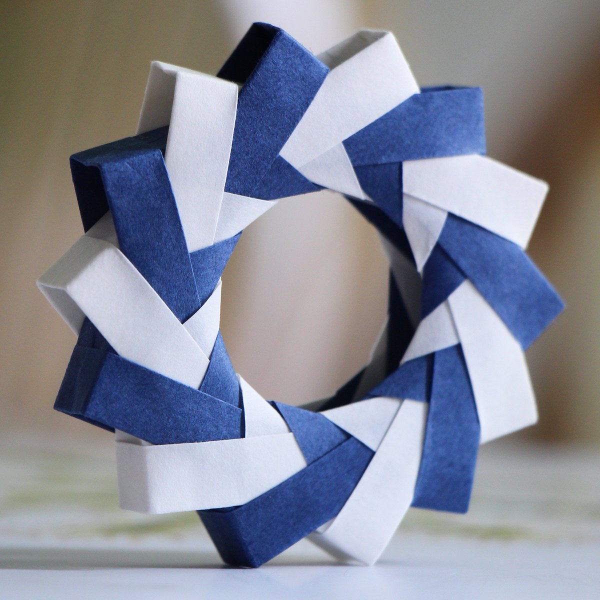 How to make an Easy Paper Ring - Origami Ring - Tutorial - Step by ... | 1200x1200