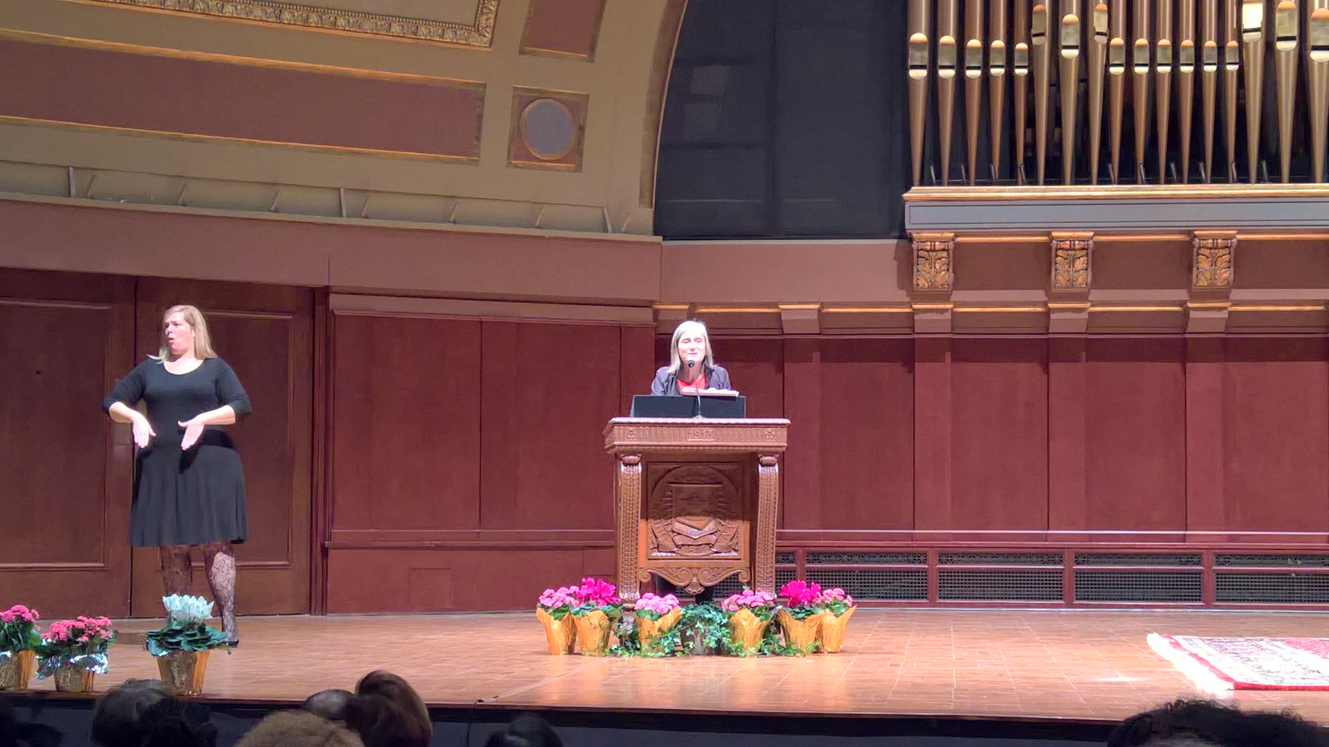 Amy Goodman shares her opening remarks #UMichMLKDay2017 #umichtalks https://t.co/v1HQWZovPw