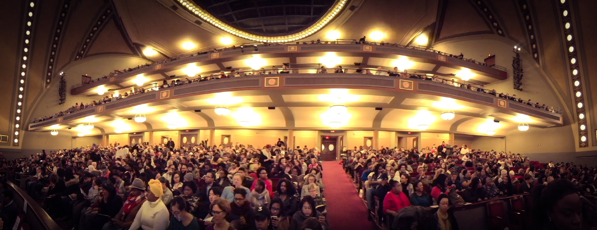 Sights from #UMichMLKDay2017 at Hill Auditorium https://t.co/bhIdXbMdzy