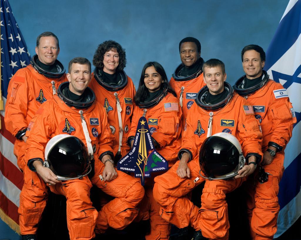 TT @NASAhistory: #NOW en 2003 lancement de STS-107 #columbia pour sa dernière mission. Une pensée pour ses 7 membres <br>http://pic.twitter.com/42PaoOBMle