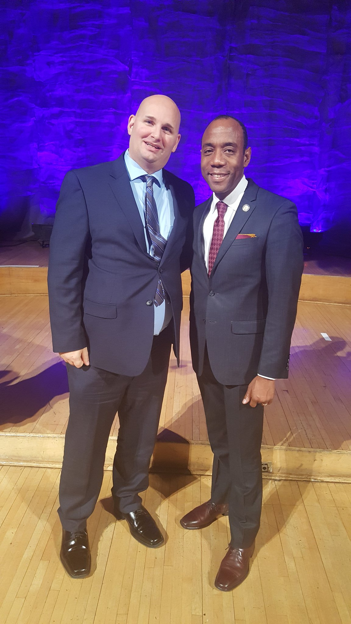 Was a great honor & privilege to meet @CornellWBrooks last night at the MLK dinner @IUPUI to celebrate the life of a great man! #MLKDAY https://t.co/CRTMQP7OoR