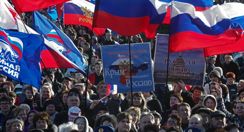 Ukrainian #Crimea Was Always a Ludicrous Idea. It&#39;s #Russian to the Core. By Peter Hitchens   http://www. dailymail.co.uk/debate/article -1315318/As-Ukrainians-force-Russians-turn-their-language-change-names-I-ask-Is-worlds-absurd-city.html &nbsp; … <br>http://pic.twitter.com/hiZdGXL1Xq