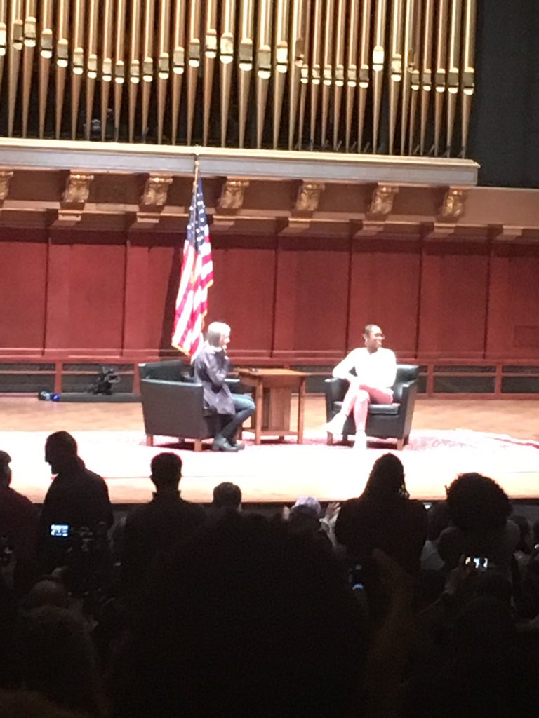 """Yasssssss @IssaRae comes to the stage for q&a w/ Goodman who Rae says """"I use to listen to you on my commute to passionless job"""" #UMichTalks https://t.co/EEYYyjrgAt"""