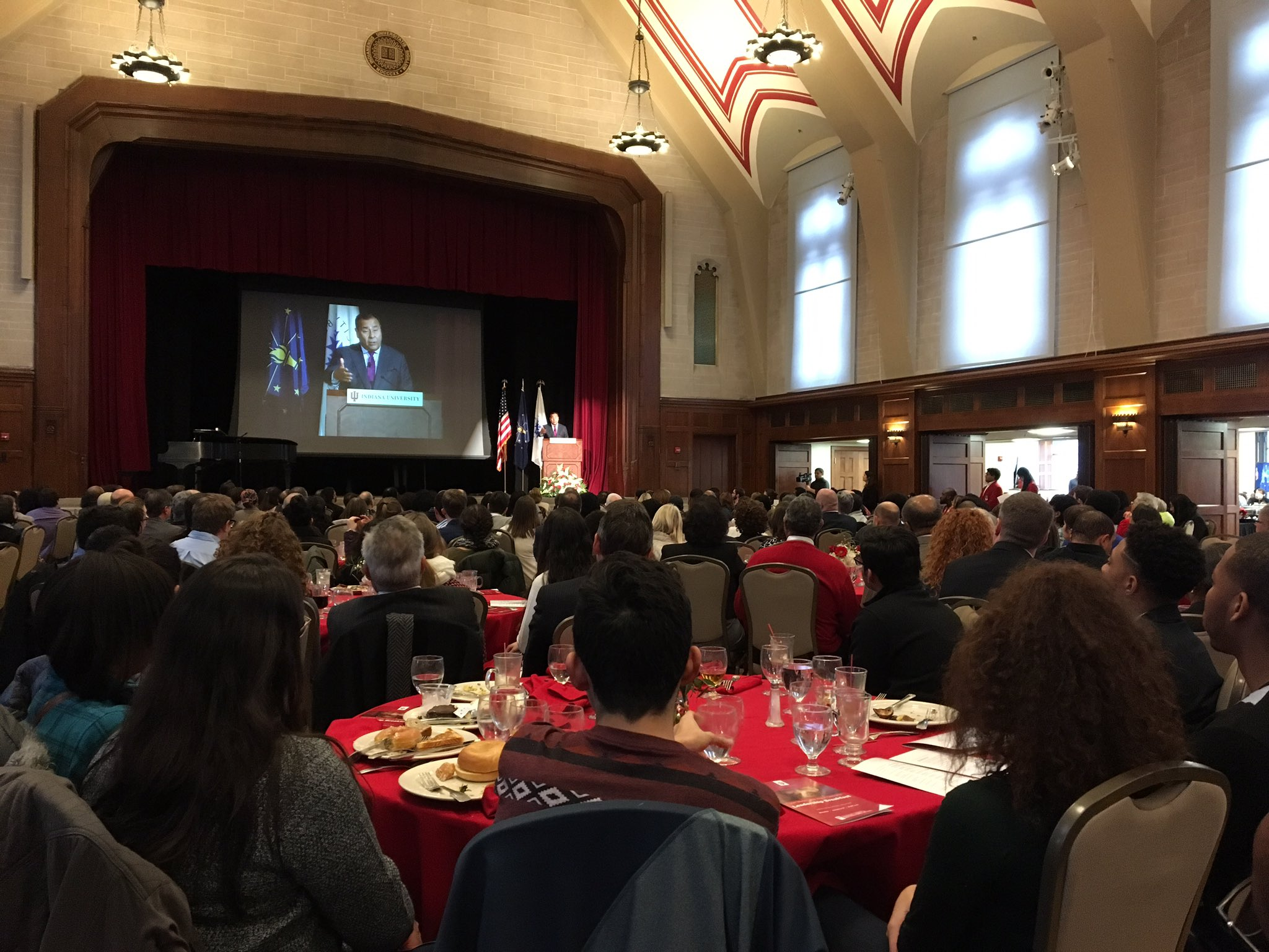An inspiring talk by John Quinones at the MLK Celebration Leadership Breakfast. A fantastic way to start MLK day! @IU_OVPDEMA https://t.co/CkmOwnBxzC