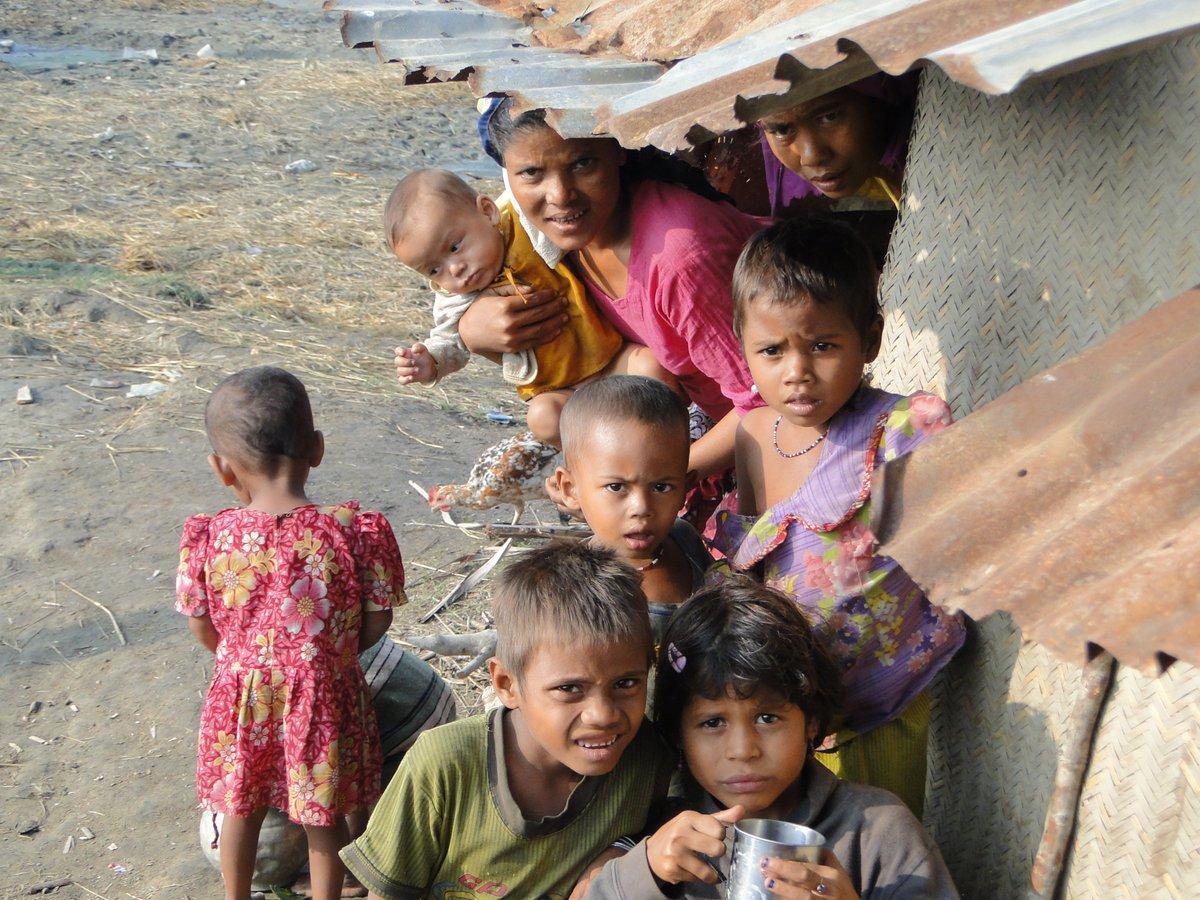 [#Myanmar] Barrières ethniques, idéologiques et problèmes sanitaires: les #Rohingyas en grand danger  http:// ow.ly/ft6A307VKZy  &nbsp;  <br>http://pic.twitter.com/ESrUi0KJhB