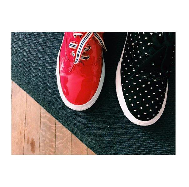 •Basket Kate• Disponible en pony imprimé à pois ou en cuir vernis rouge #musthave #parisianstyle #ootd #basket #InesFW16<br>http://pic.twitter.com/gek19x7tlE
