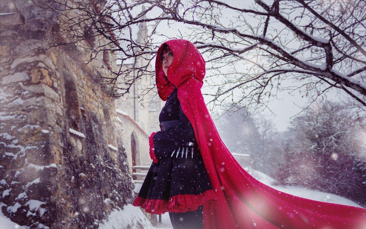 Red like Roses#RubyRose from #RWBY @IAmLindsayJones @TheMilesLuna @kerryshawcross Finally a winter (#redtrailer) shoot thx to  @remaka_tau<br>http://pic.twitter.com/GMK3Zc6Ag7
