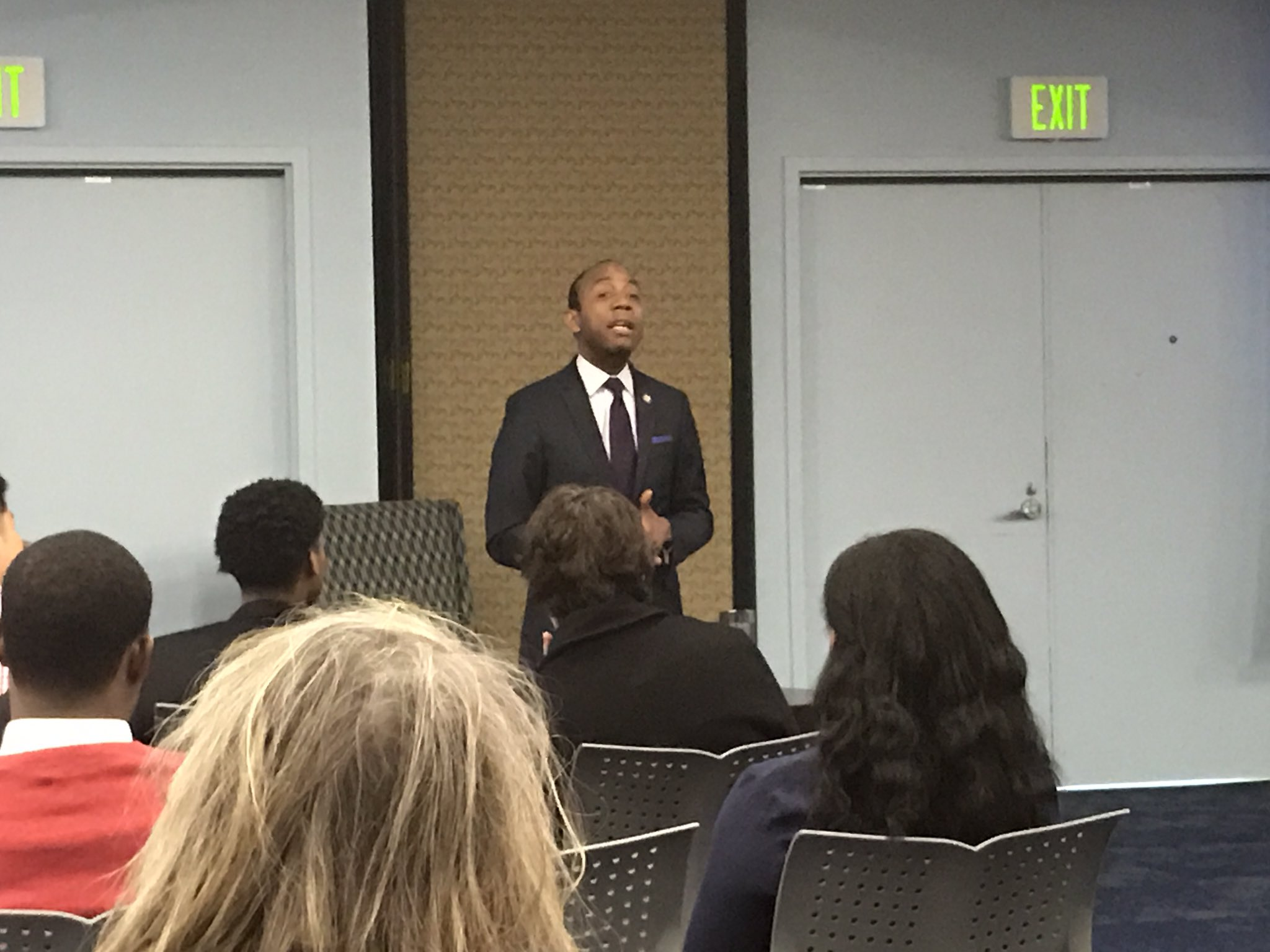 @CornellWBrooks discussing how to overcome struggles, law school, and perseverance. #USIMLK https://t.co/OSMewst9mO