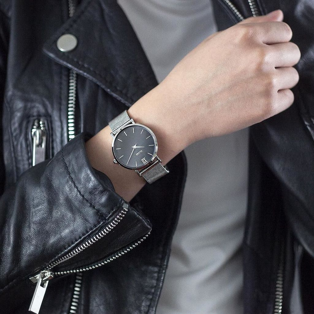 Silvery side of the spectrum with @cluse  #cluse #clusewatches  http:// ift.tt/2iELspW  &nbsp;  <br>http://pic.twitter.com/sdbFtFZszU