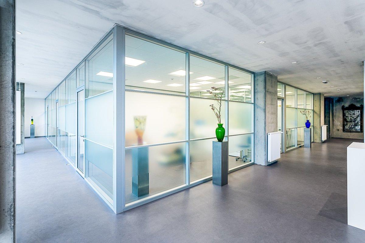 klaas klompenmaker een mooi compleet project mogen maken met plafonds wanden verlichting in amsterdam voor iankovitch kliniek voor exclusieve