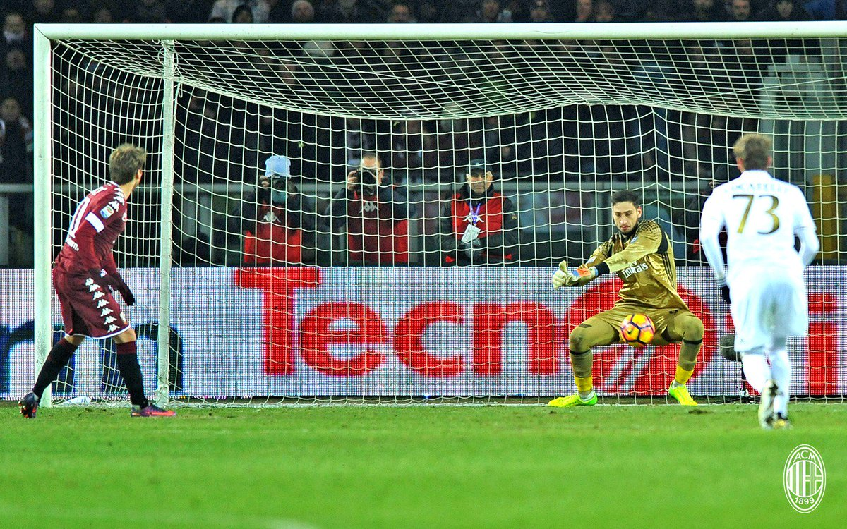 Third penalty against @gigiodonna1 in this campaign and he's yet to be beaten! / Terzo rigore contro Gigio in questa stagione e 0 gol!