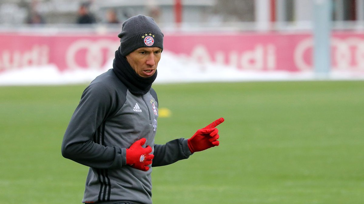 Update: #Lewy & #Robben resumed training today after missing the #...