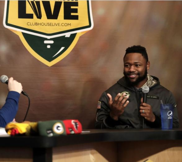 .@TyMontgomery2 on the compliment paid to him by @AaronRodgers12: &quot;Makes me feel real good.&quot; #Clubhouse replay:  http:// post.cr/2j2I71J  &nbsp;  <br>http://pic.twitter.com/vjqZx2Nc4x
