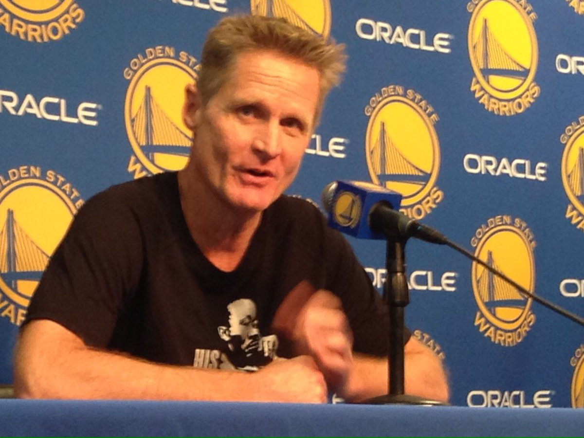 Steve Kerr is wearing a Martin Luther King Jr.  Shirt and opens his presser with a tribute to MLK and this holiday https://t.co/1xRNDkjkou