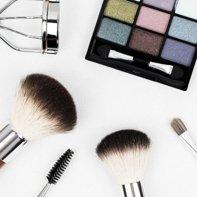 How To Avoid Makeup Contamination