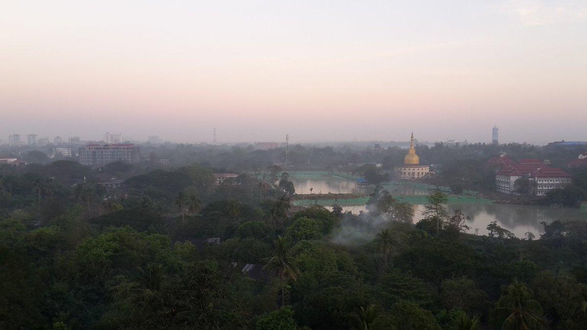 #Myanmar Avant d&#39;en parler, le mieux c&#39;est encore de le visiter... à bons entendeurs....salut de Rangoon. <br>http://pic.twitter.com/w2NOZUndjo