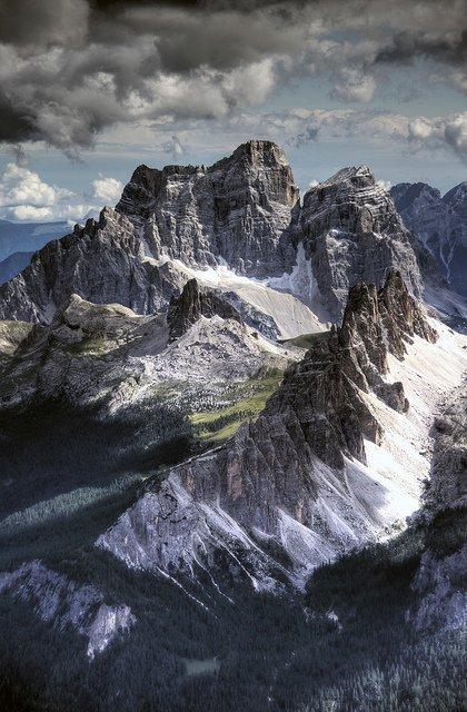 Respectons les montagnes pour le bien des générations futures. Sylvain Augier #PaysagesEtPerspectives #Montages #environnement <br>http://pic.twitter.com/ky17U3L25S