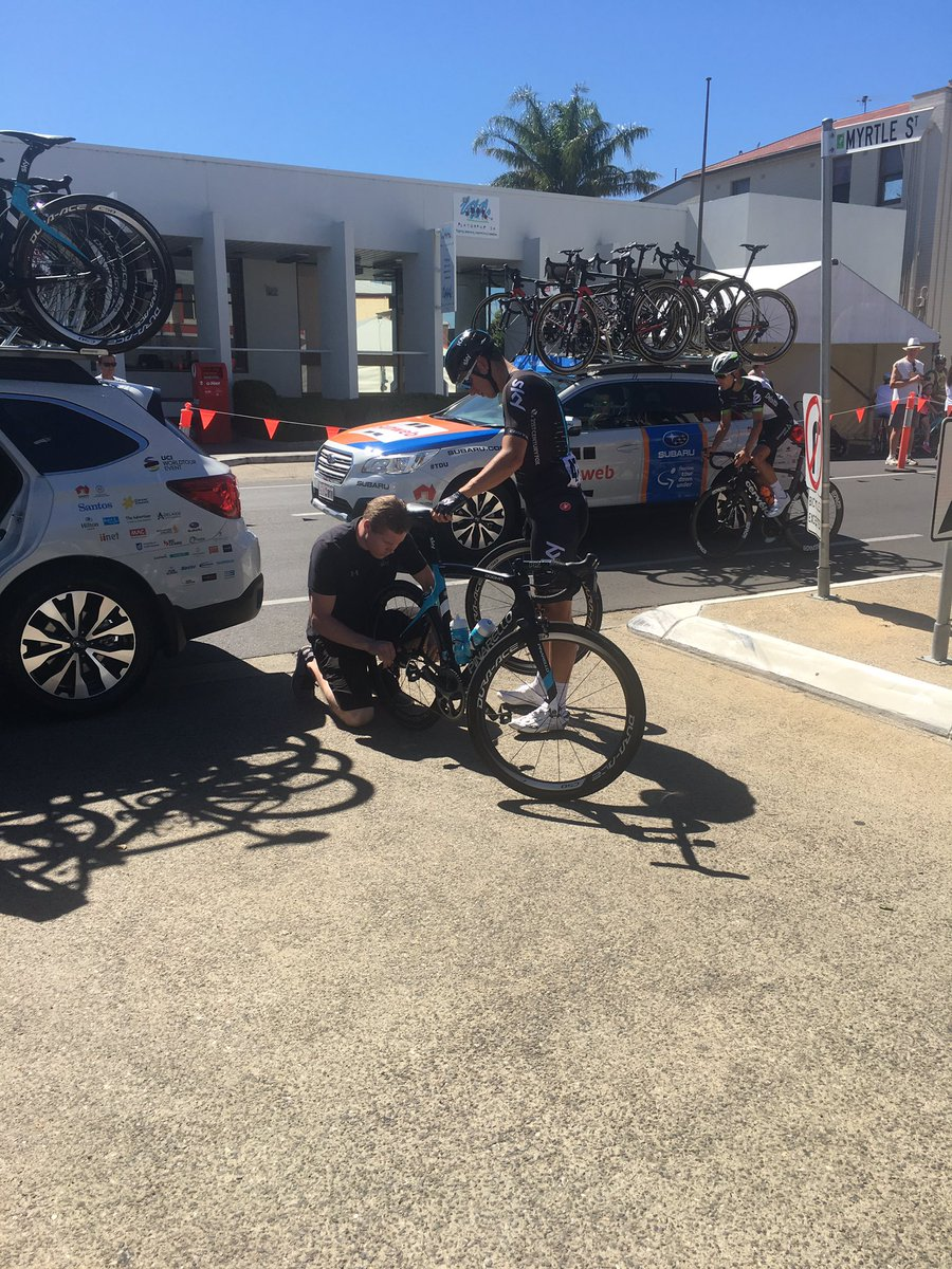 This Team Sky rider has a quick tyre change in Prospect #tourdownunder...