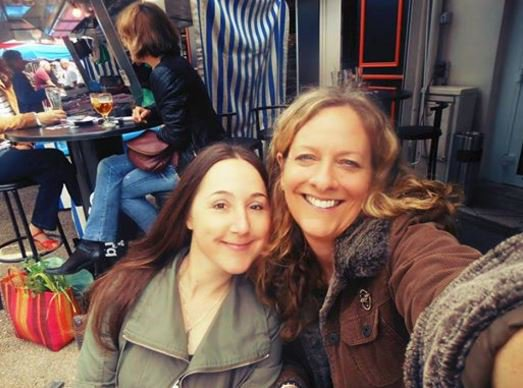 Two brave women who broke NATO&#39;s #FakeNewsMedia information blockade on #Aleppo. @EvaKBartlett and @VanessaBeeley.<br>http://pic.twitter.com/sTHqvY6hq0