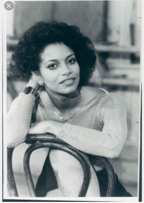 Happy bday to the beautiful and talent Debbie Allen!!! She\s a great