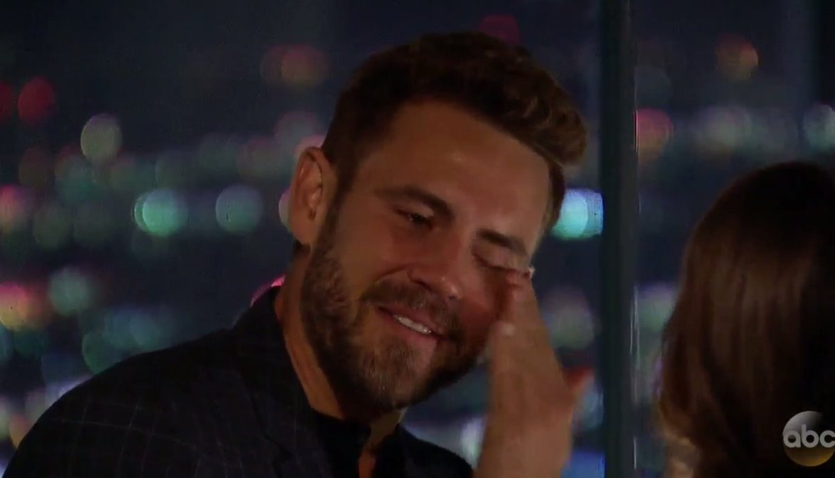 When u find a girl who doesn't have a nanny:   #TheBachelor https://t....