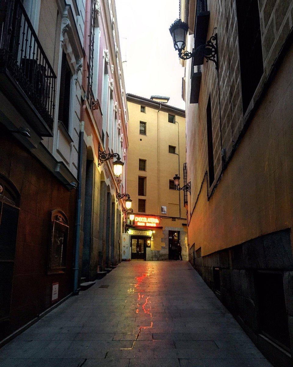 Rincones de #madrid por los que siempre es agradecido pasar... ¡Buenos...
