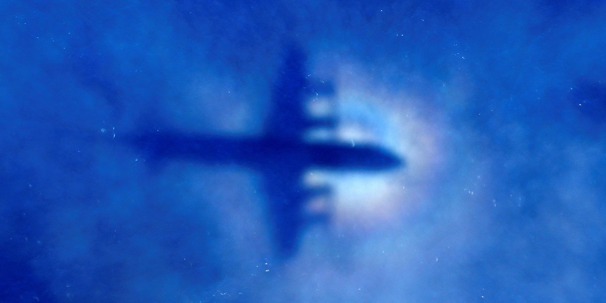Search for missing Malaysia Airlines jet ends without success https://...