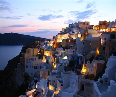 7 reasons to visit Greece in Winter https://t.co/qWNHzp8tFM https://t.co/DNvLJODbMZ
