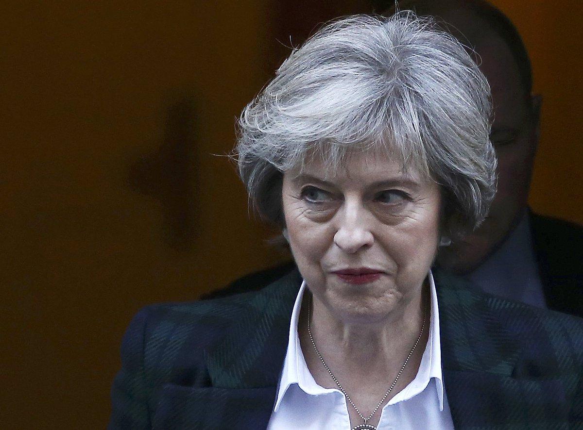 """Brexit, May: """"Via dall'Ue e fuori dal mercato comune europeo"""""""