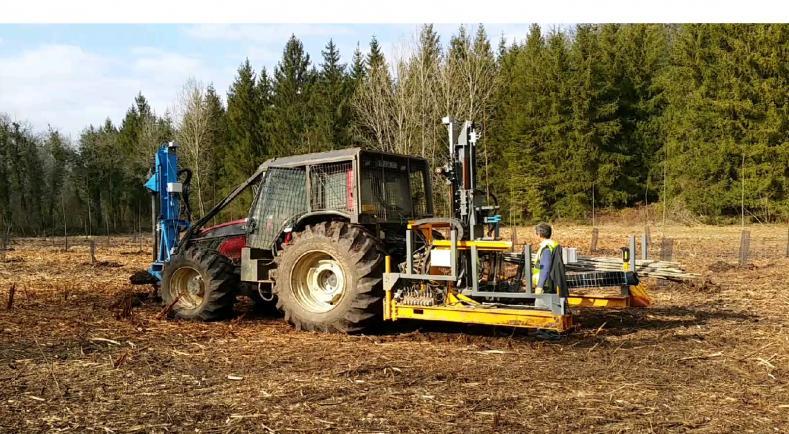 #AgriLab #Forêt  Une planteuse automatique de peupliers permet de réduire les coûts de reboisement #robots  http:// agriculture.gouv.fr/des-robots-pou r-planter-des-peupliers &nbsp; … <br>http://pic.twitter.com/HtPBZCw4I6