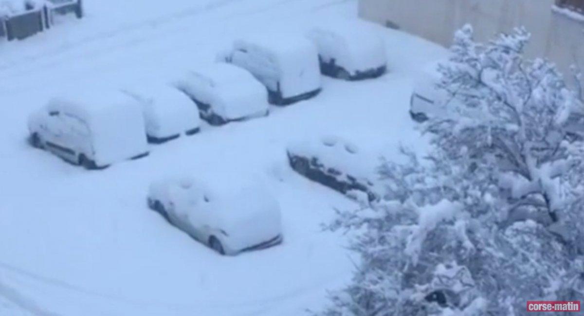 #Vidéo : 30 cm de neige sont tombés à Corte  http:// sur.laprovence.com/mjpa-pneM  &nbsp;   #Corse #Météo<br>http://pic.twitter.com/4F4jUfYfgk
