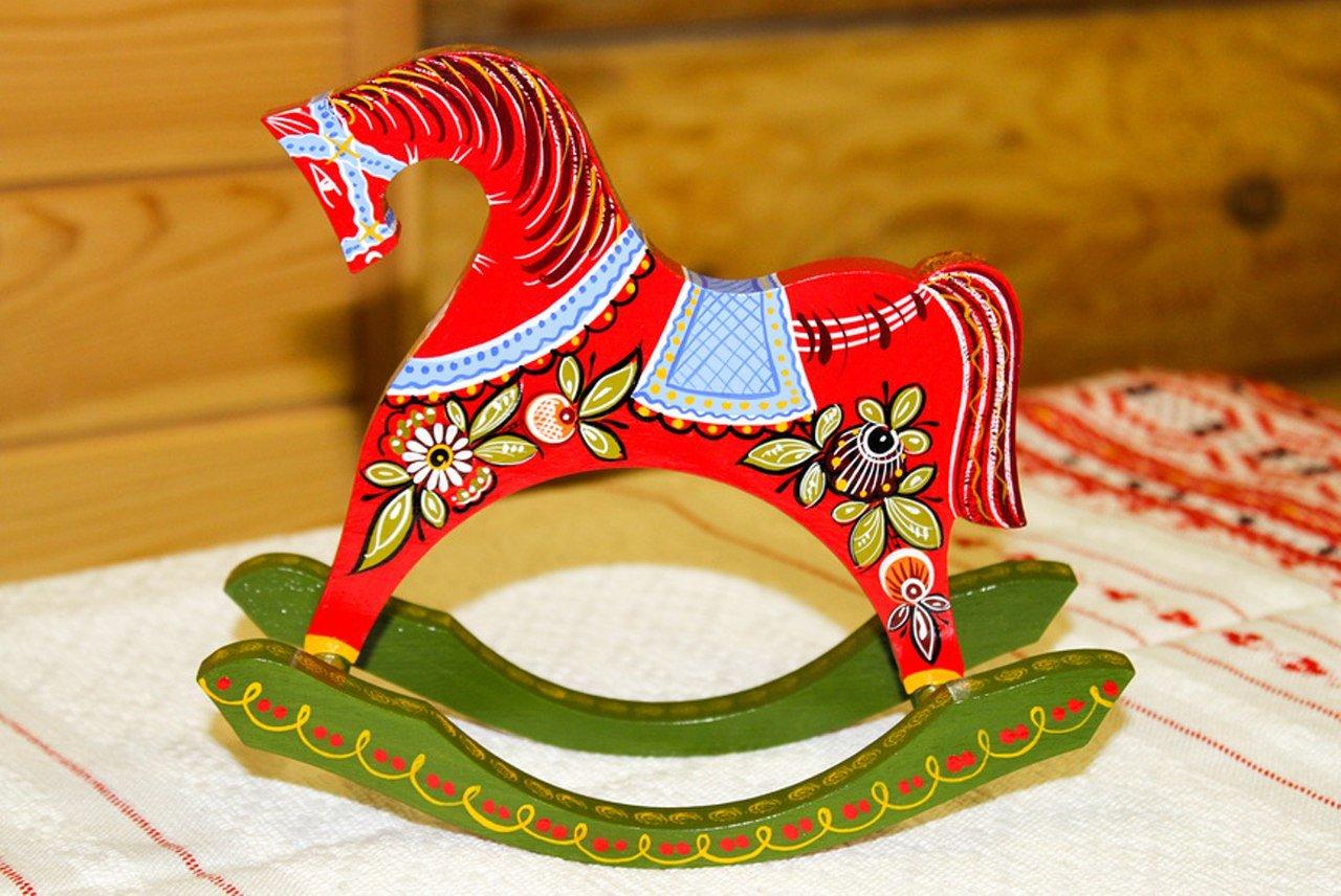 задачей картинка русской народной игрушки лошадка и матрешка приказываю