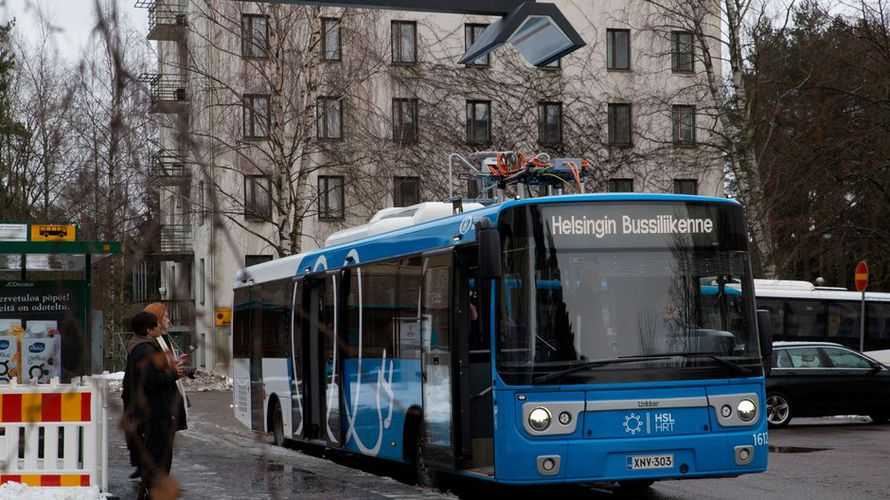 Quieter, smoother - electric buses in #Helsinki @ylenews #publictransport #electricbus #Суоми #Finland #Suomi  http:// finland.smh.re/1Y6  &nbsp;  <br>http://pic.twitter.com/NJF3bWQH4W
