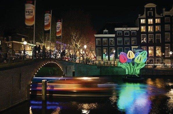 Dernière semaine pour profiter du festival des lumières d&#39;#Amsterdam   http:// po.st/lAMJ4r  &nbsp;  <br>http://pic.twitter.com/Q7GJHvZH6N