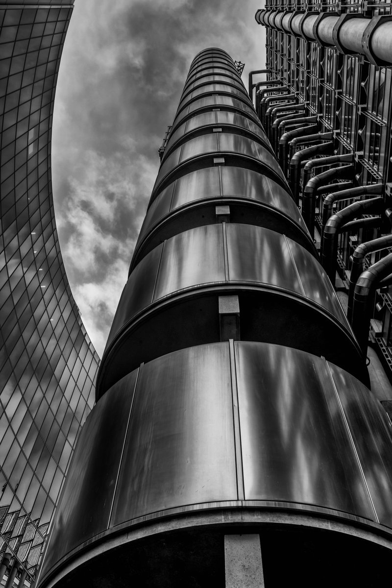 First up, @merseamillsy impresses with this magnificent architectural shot #WexMondays https://t.co/YZbpAU7SMI