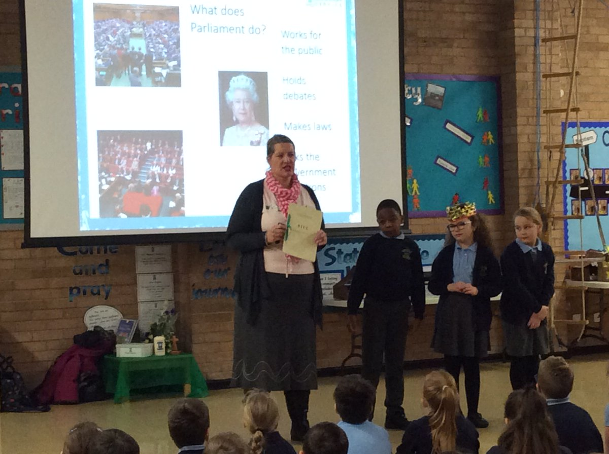 Year 5 and Year 6 enjoyed a presentation to deepen the children's knowledge about Parliament. Thank you to Rachael @UKParlEducation