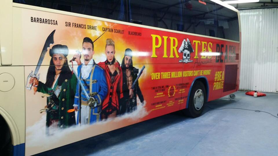 You know you&#39;re in #Mallorca when you see one of these! #PirateBus  #piratesAdventure #magaluf #dinnershow #travellikeapirate<br>http://pic.twitter.com/nkSonv735U