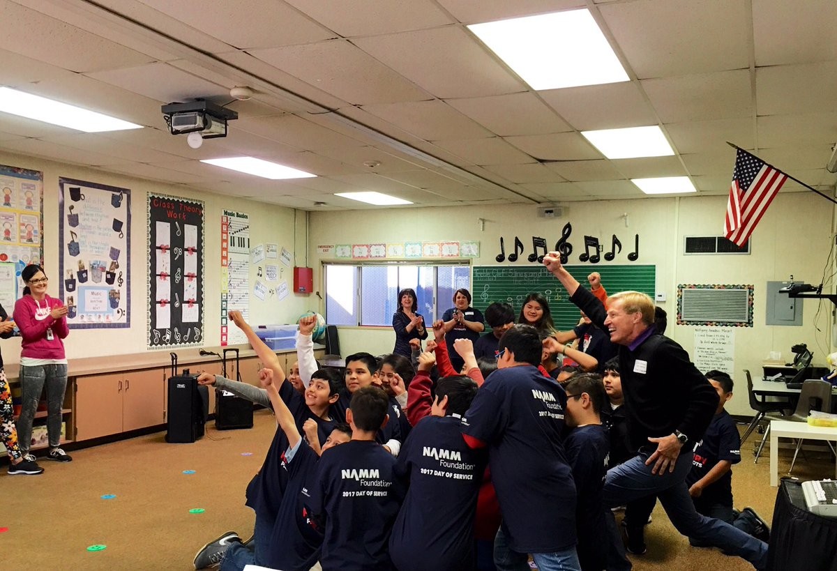 .@DdhsDream teaching choreography to Patrick Henry Elementary school students at NAMM's Day of Service. https://t.co/rmQLrCuTOp