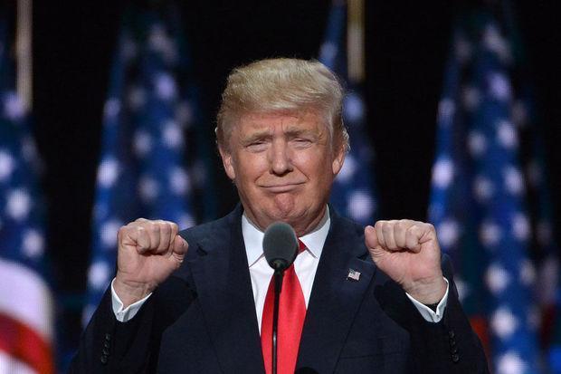 Pourquoi Donald Trump prêtera-t-il serment sur deux bibles?  http:// ebx.sh/2jsYU1K  &nbsp;   #HolyBible #investiture #Trump #Trump2017 <br>http://pic.twitter.com/oQUqgXv52L